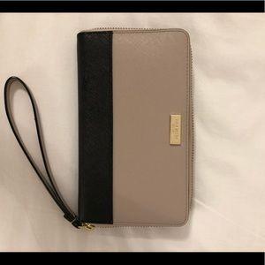Kate spade wallet wristlet